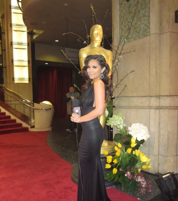 Marianna Hewitt Attends 2014 Academy Awards Wearing Michael