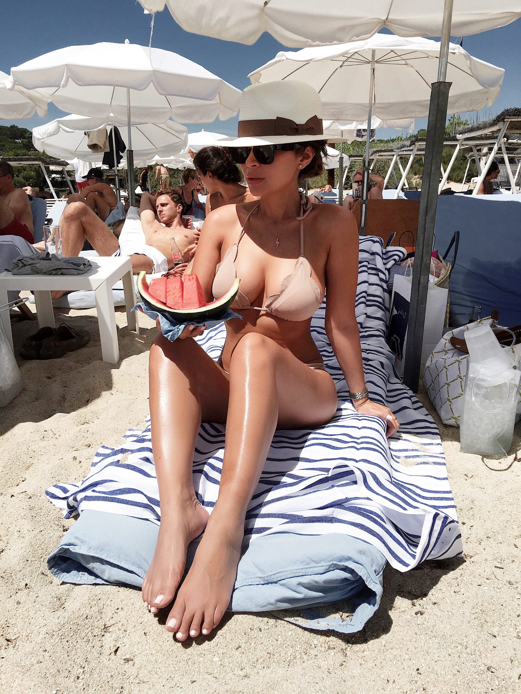 marianna hewitt travel blog what to do in st tropez beach things to do le club 55