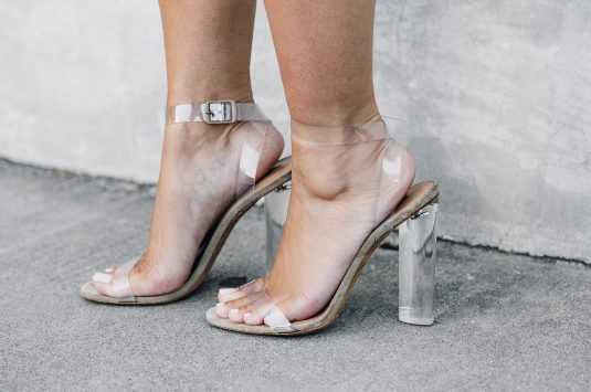 LOOK FOR LESS: YEEZY SEASON 2 SANDALS
